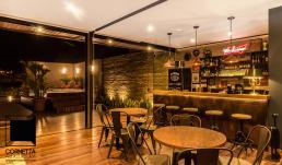 cornetta, arquitetura, lofts, casas prefabricadas, casas metalicas, varanda gourmet, area de lazer, cozinha, bar, bancada, madeira, hidromassagem