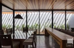 casas térreas, casas terrea, estruturas metalicas, concreto, concreto aparente, piso de concreto, madeira, forro de madeira
